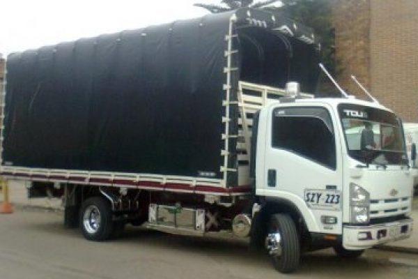 Carrocería de estacas para Chevrolet NQR 6 toneladas