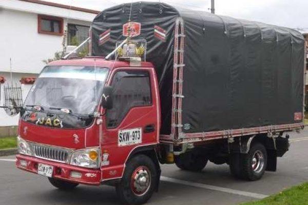Carrocería de estacas para JAC 1045 de 3.3 toneladas