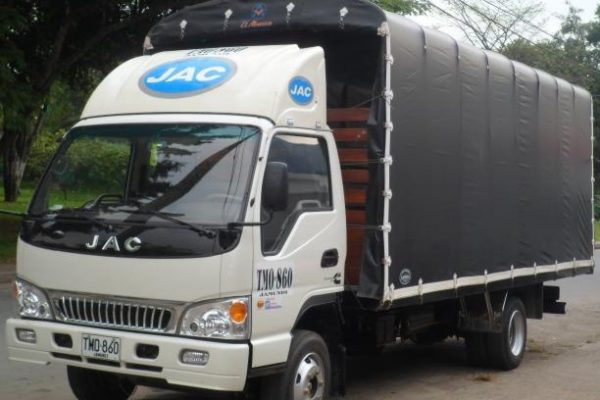Carrocería de estacas para JAC 1050 de 5 toneladas